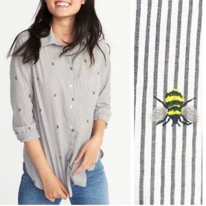 Old Navy Queen Bee Classic Button Down Shirt